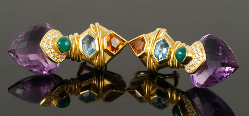 Pair of 18K yellow gold earrings, with faceted amethyst, diamond, chalcedony, blue topaz and citrine, invisible hinges