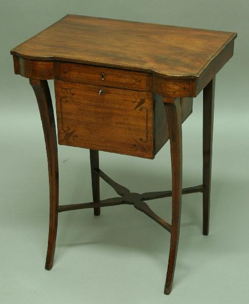 A REGENCY MAHOGANY AND INLAID LADIES WRITING TABLE