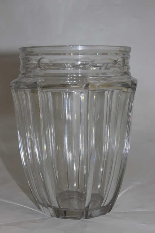 Vase en cristal à pans coupés