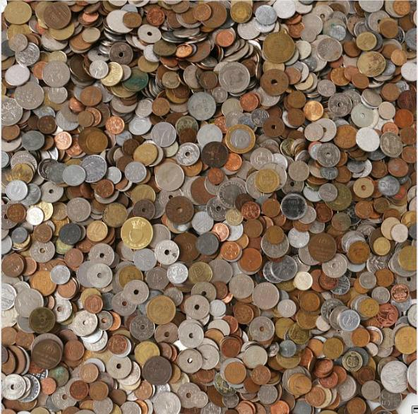 Collection of coins from different countries, in total 10.8 kg of coins