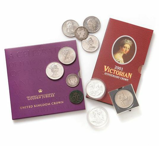 England, lot with Ag and copper nickel coins, a few mints sets