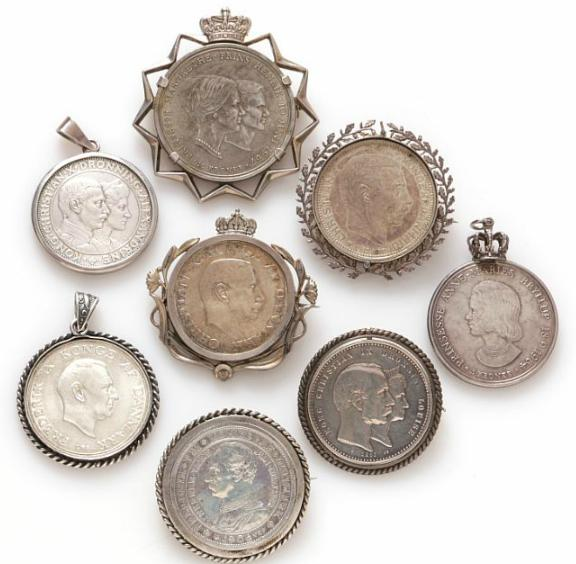 Collection of Danish commemorative coins turned into brooches and pendants, in total 8 pcs