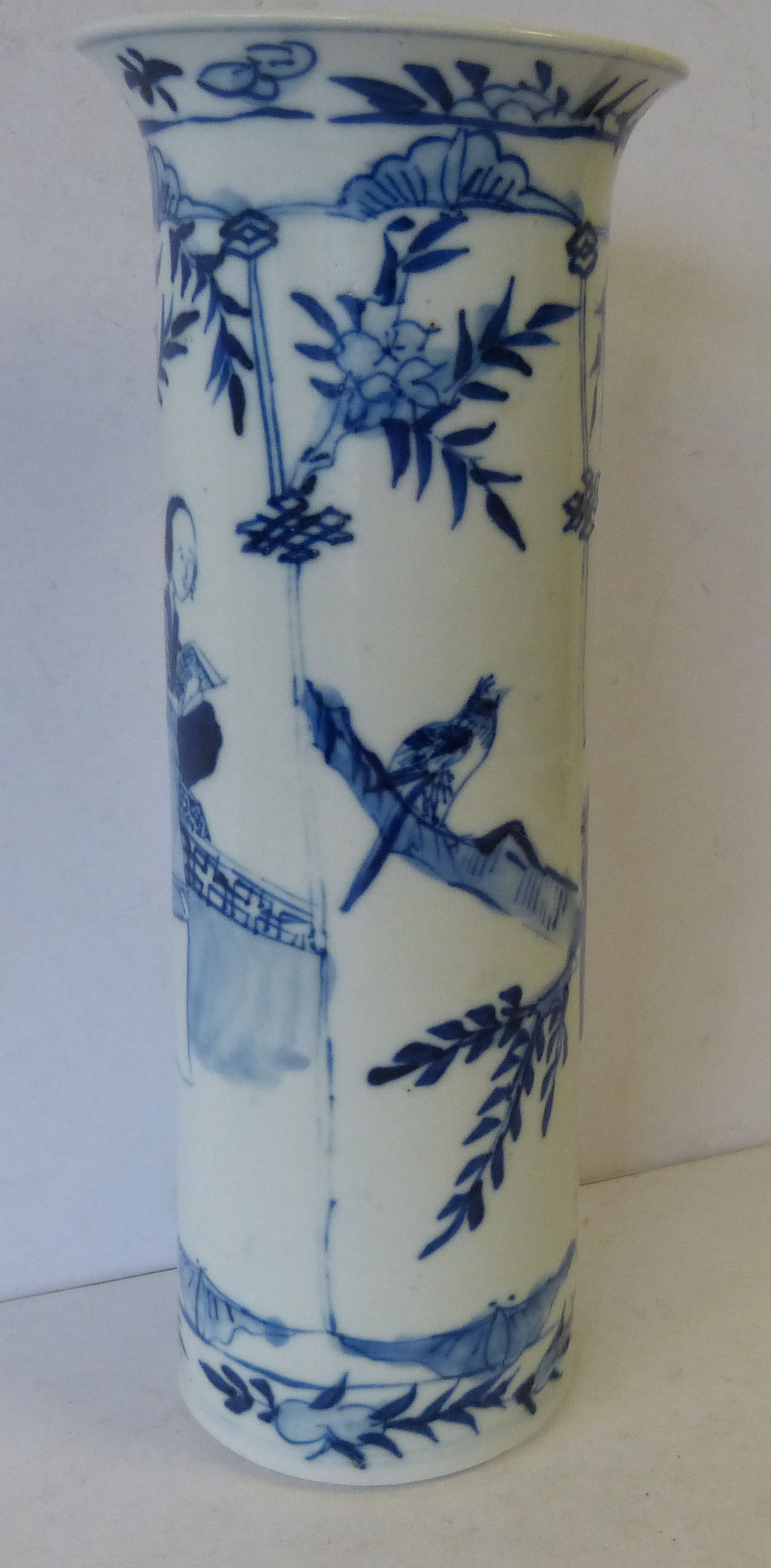 A Chinese Cylindrical Trumpet Shape Vase on blue and white ground having figure