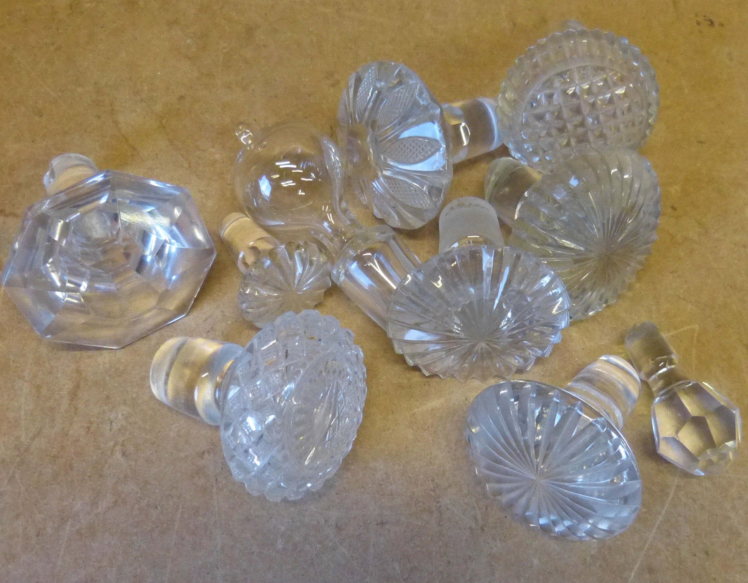 A Small Quantity of Various Decanter Stoppers
