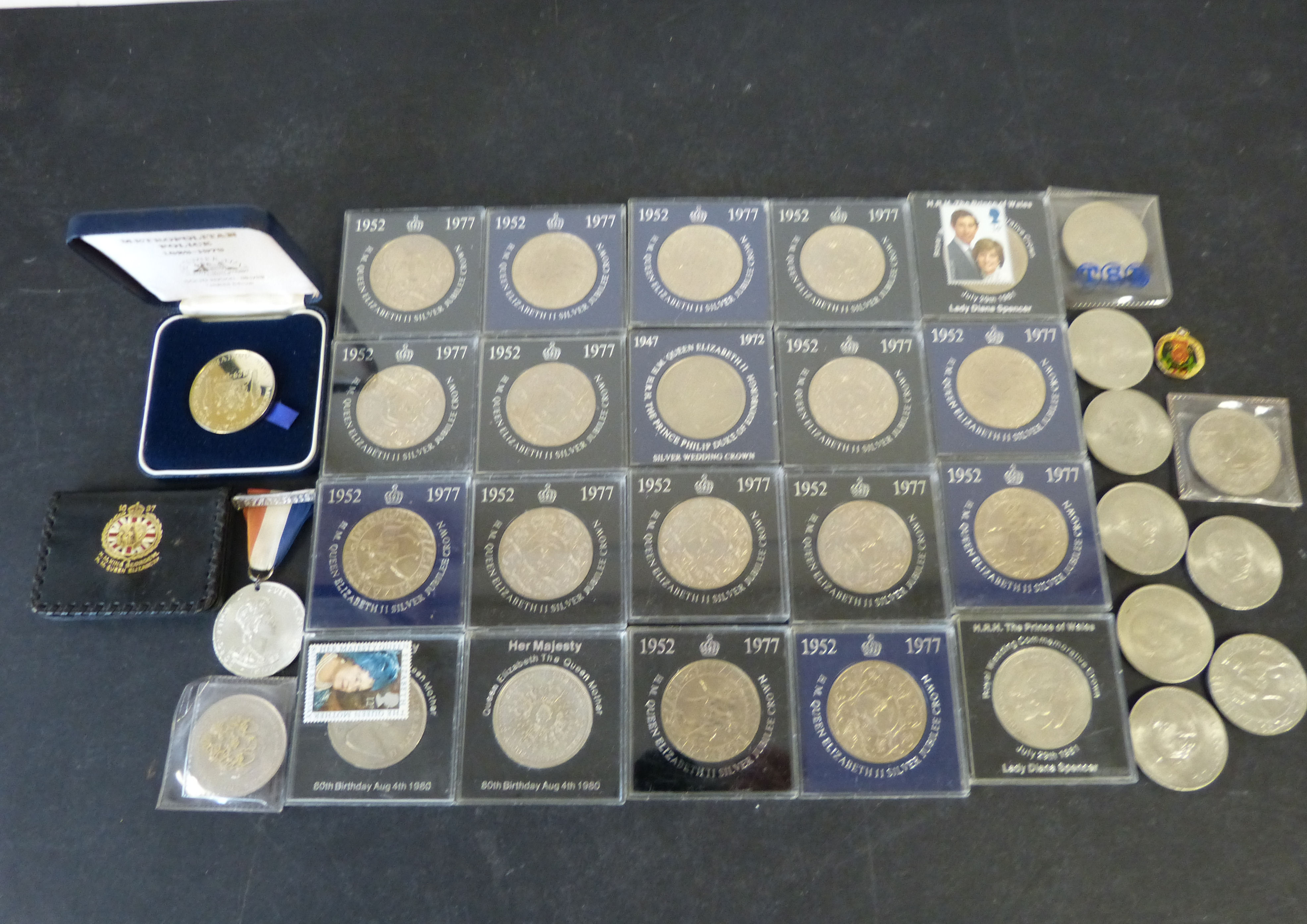 Queen Elizabeth II Coronation Medal and a quantity of various modern coins (Churchill, Crown`s etc)