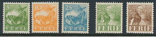 FERIEMÆRKER. 5 stk. feriemærker, hvoraf de 4 lavværdier er postfriske. 5 øre grøn med bløde folder