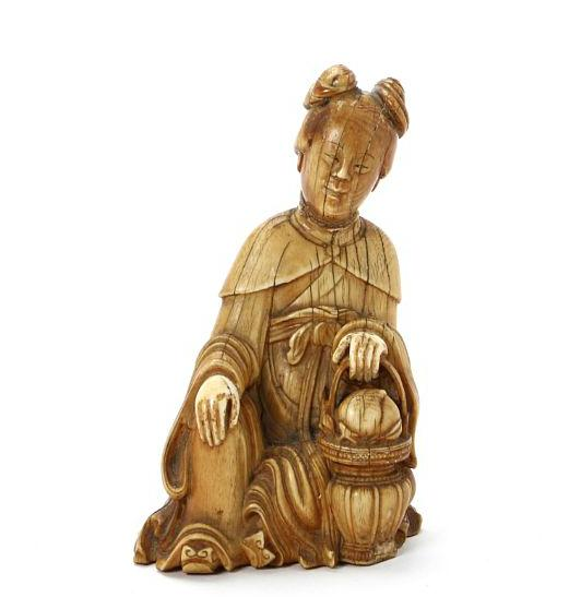Guanyin of carved ivory