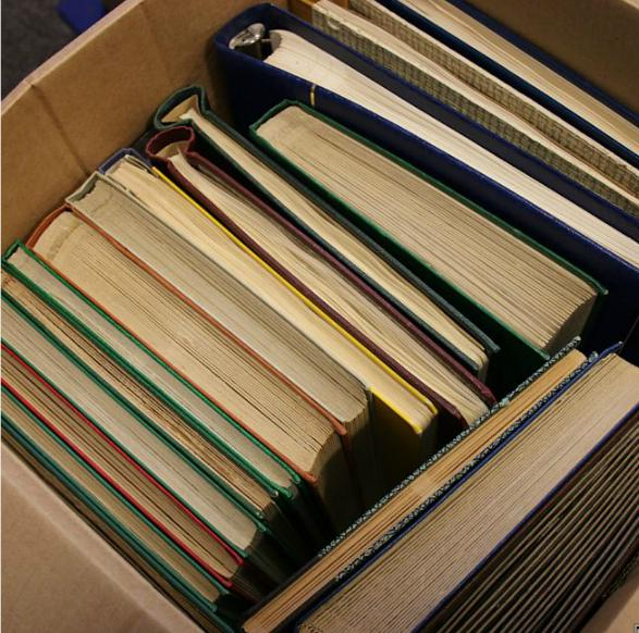 Sweden. Lot in box. Collections and stockbooks