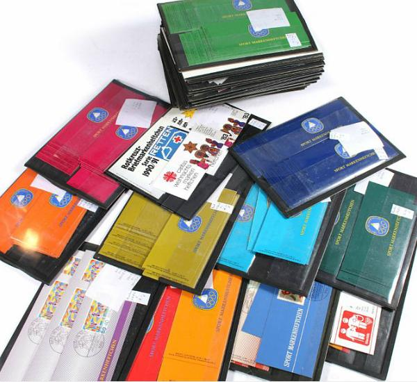 Bund/Berlin. Booklets. Box with up to 10 x each booklet