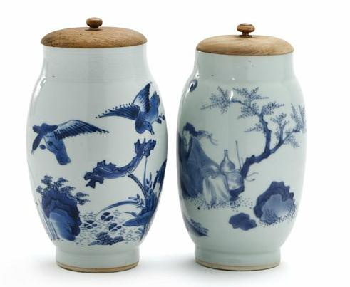 Two Chinese porcelain vases, decorated in underglaze blue