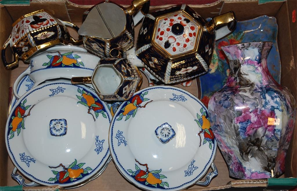 A box of miscellaneous china to include