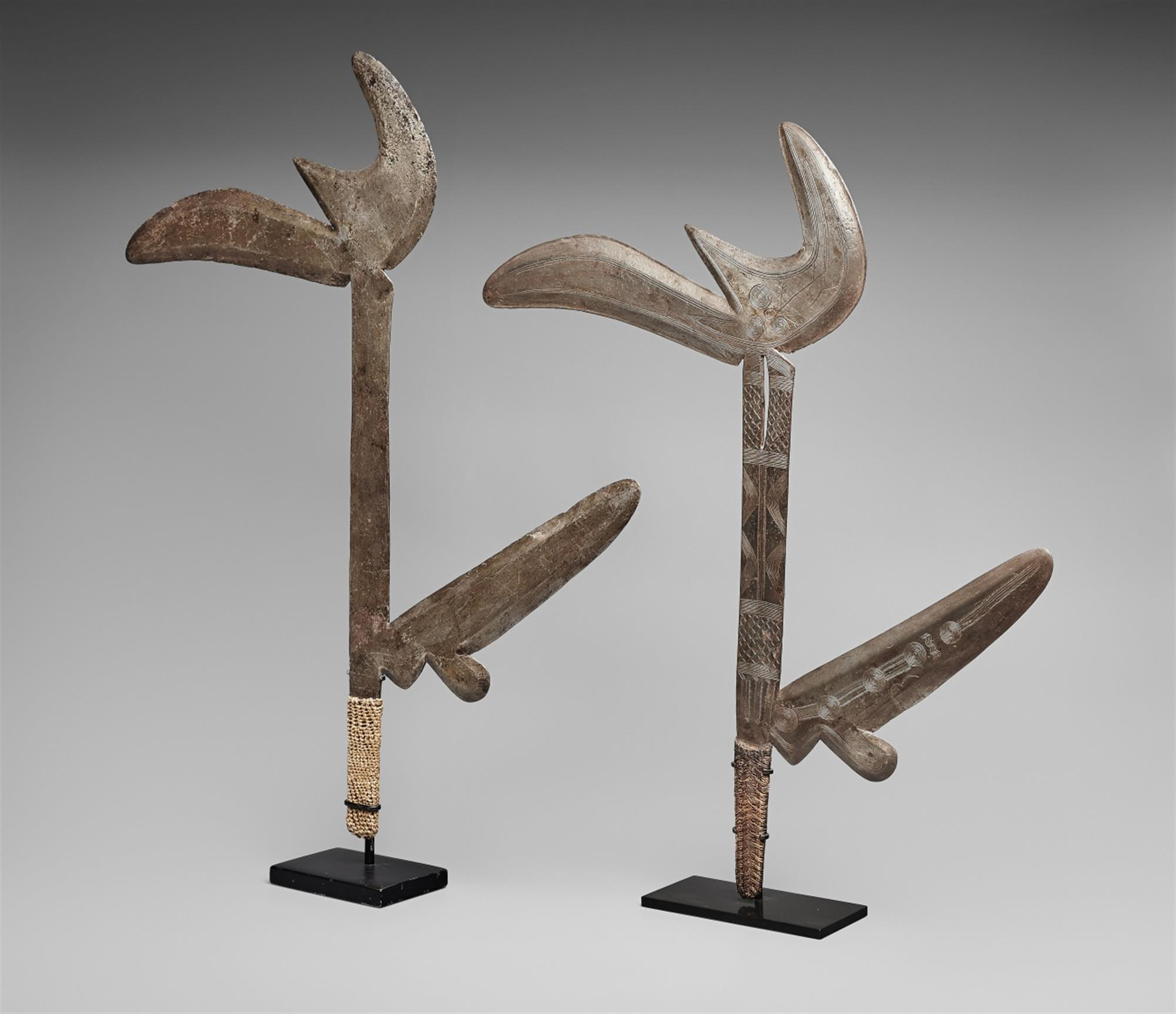 TWO ZANDE THROWING KNIVES