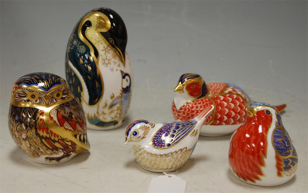 Five Royal Crown Derby desk ornaments to include; penguin, pheasant, owl, robin and wren