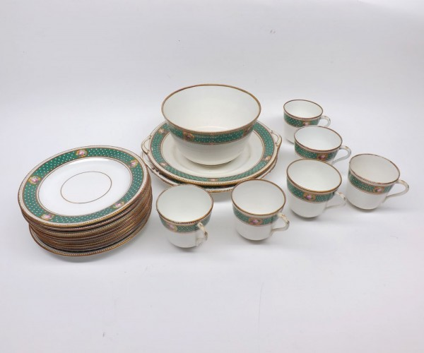 Quantity of 19th century lustre finish tea wares, comprising two double-handled sandwich plates, slop bowl and quantity of cups,