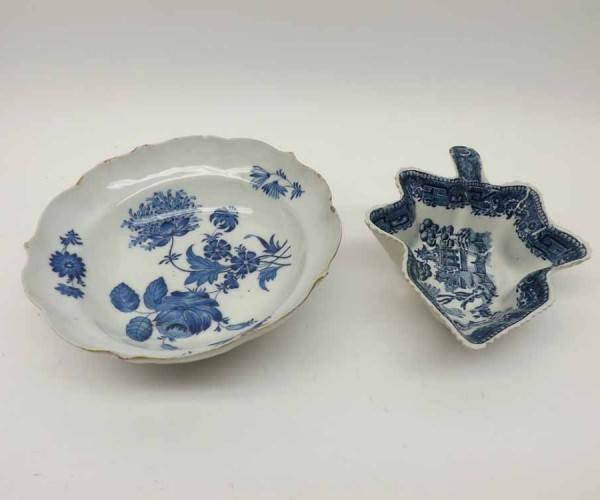 19th century willow pattern blue printed pickle dish, together with a further hand painted porcelain dish (rim chips and hairlin