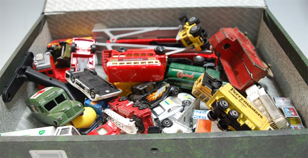 A box of assorted loose and playworn diecast toy vehicles to include Dinky Toys Daimler