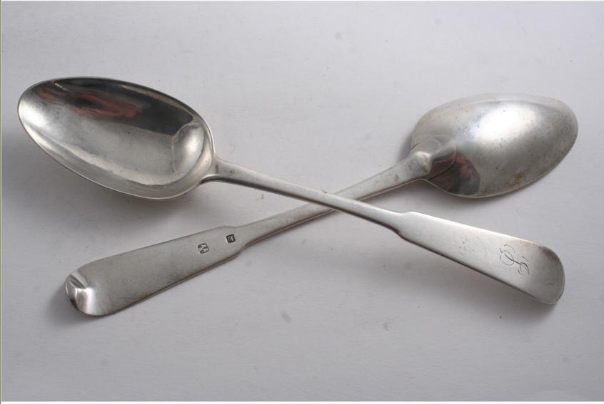 A PAIR OF SCOTTISH PROVINCIAL TABLE SPOONS