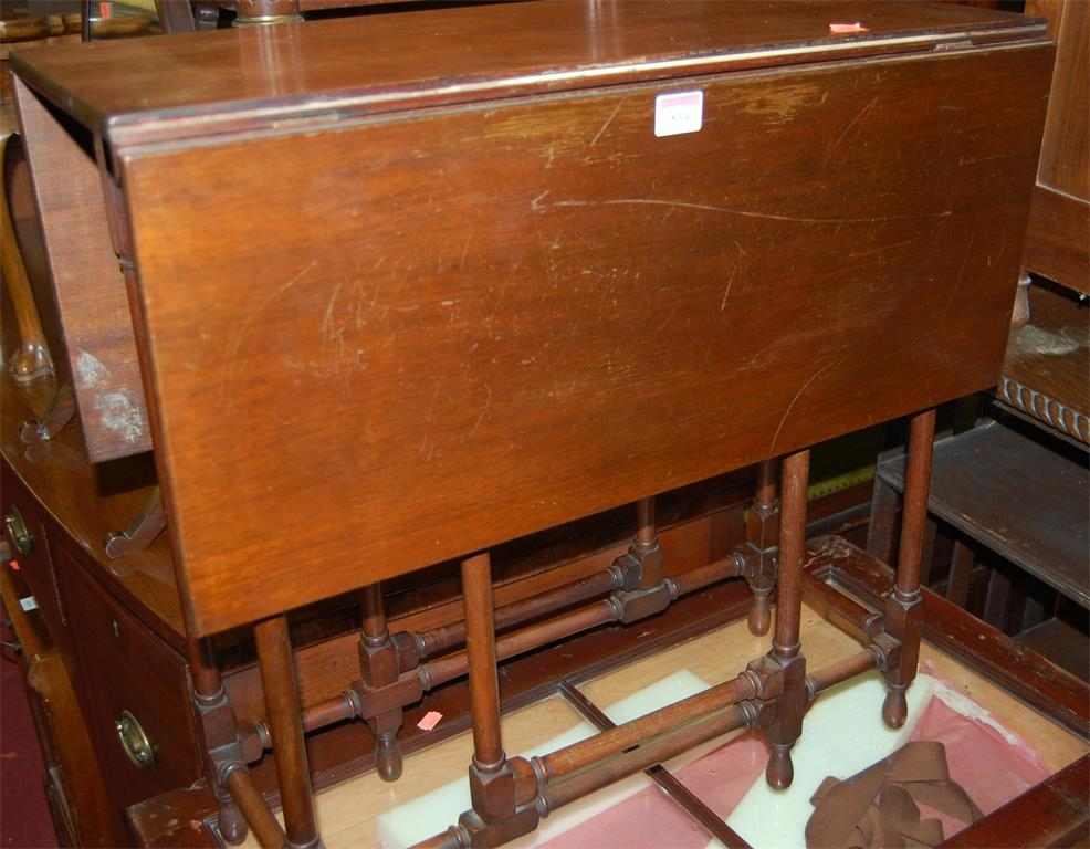 A circa 1900 mahogany spiderleg Sutherland table