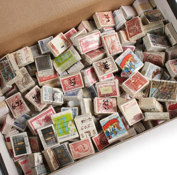 Denmark. BUNDLES. Box with ca. 466 older bundles. AFA ca. 94.600