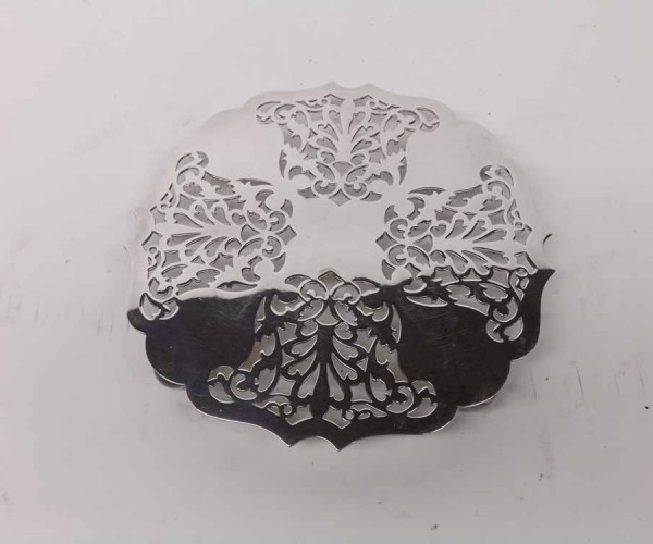 """Mappin & Webb silver plated teapot stand, of pierced form, 6"""" diameter"""