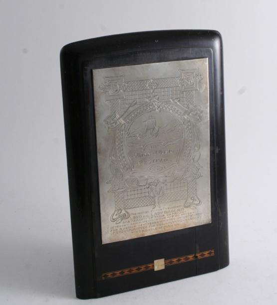 AN EARLY 20TH CENTURY ENGRAVED PLAQUE