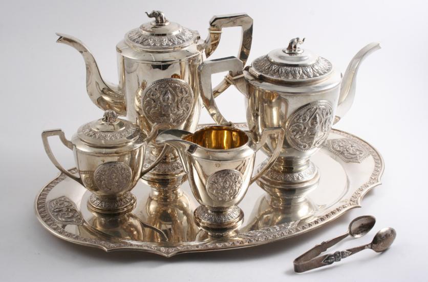 A 20TH CENTURY SIAMESE TEA & COFFEE SERVICE