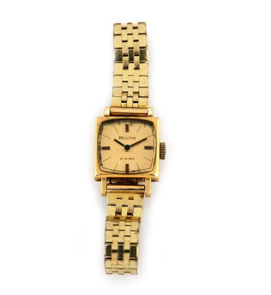 A lady's wristwatch of 18k gold. Quartz movement