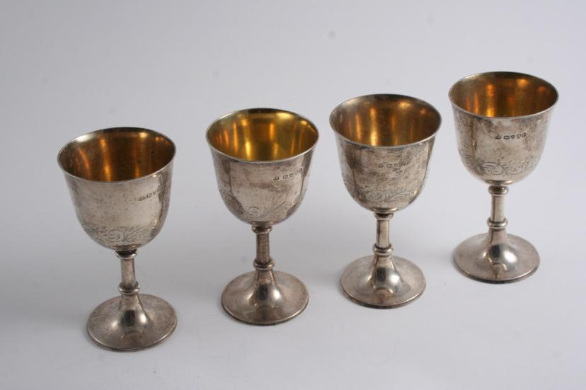A SET OF FOUR VICTORIAN SMALL GOBLETS