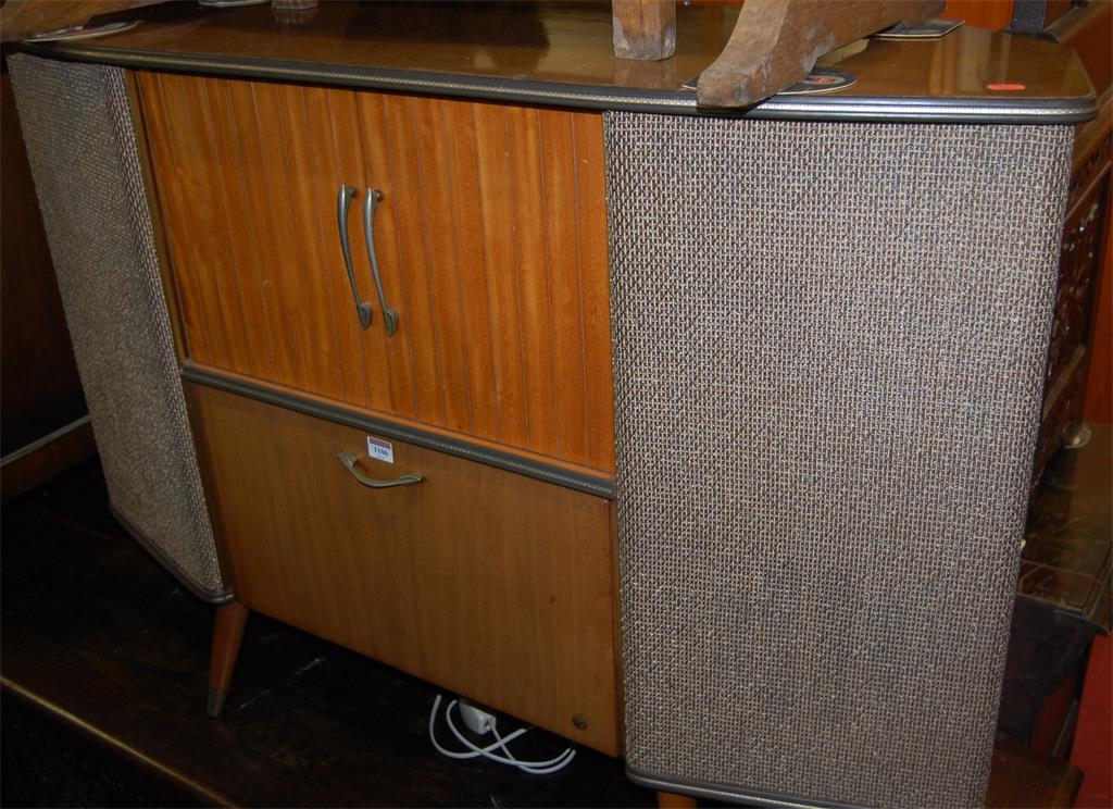 A 1950s Sobell freestanding combination gramophone and wireless
