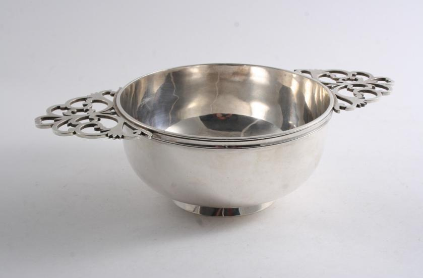 A LATE VICTORIAN TWO-HANDLED DISH