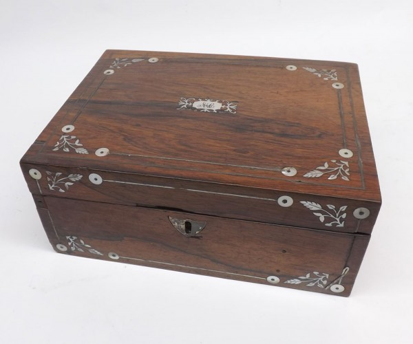Small 19th century rosewood and mother of pearl inlaid dressing table box of hinged rectangular form