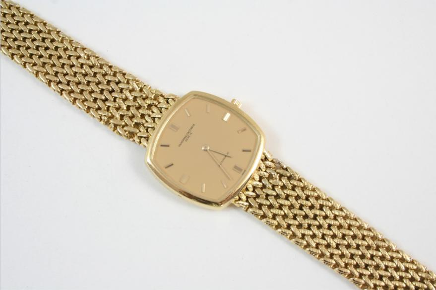 A GENTLEMAN'S 18CT. GOLD AUTOMATIC WRISTWATCH