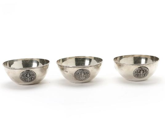 A set of three Siam sterling silver bowls. Weight 347 gr