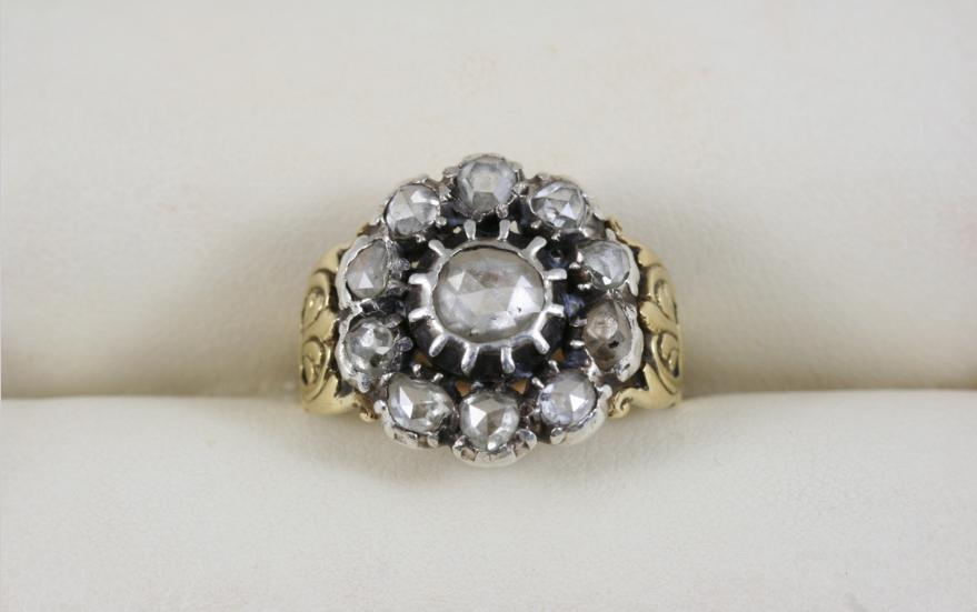 AN EARLY VICTORIAN DIAMOND CLUSTER RING