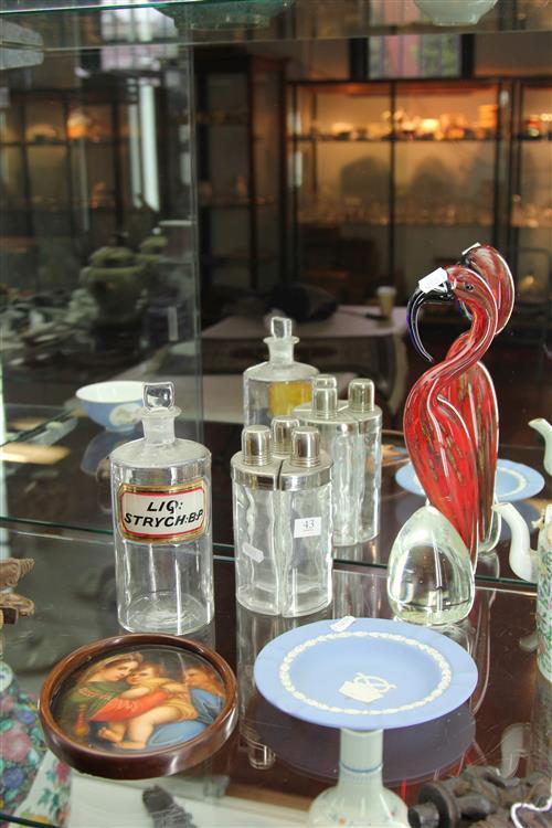Wedgwood Jasper Ware Dish with Other Wares incl. Bon Pari Art Glass Bird