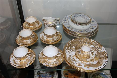 Royal Crown Derby Aves Pattern Dinner Wares (six pieces broken) including dinner plates