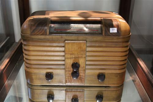 Timber Case Mantle Radio