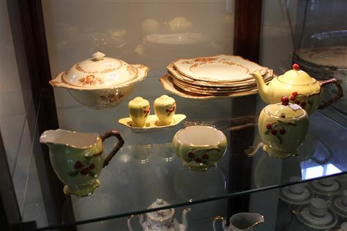Royal Winton Art Deco Breakfast Set (Chip) with Maple Leaf Dinner Wares