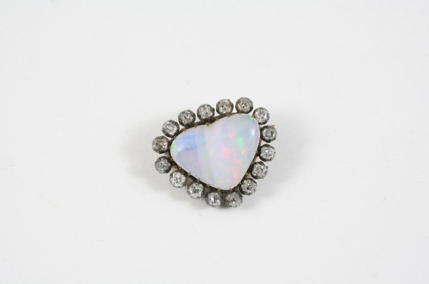 A VICTORIAN OPAL AND DIAMOND BROOCH