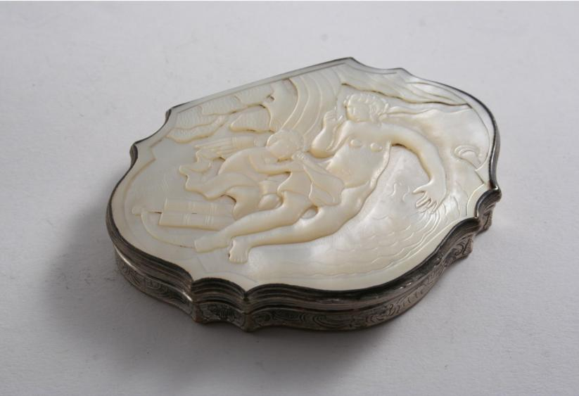 A MID 18TH CENTURY MOUNTED MOTHER OF PEARL SNUFF BOX