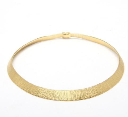 A graduated necklace of 18k satinated gold. L. 43 cm. weight 77 g. Circa 1960-70
