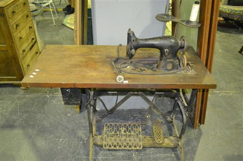 Singer Sewing Machine on Iron Base