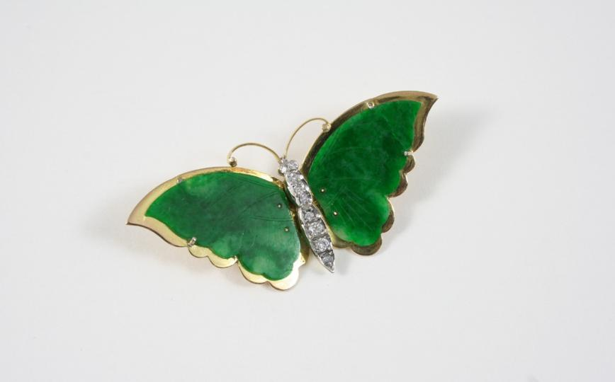 A JADE AND DIAMOND BUTTERFLY BROOCH