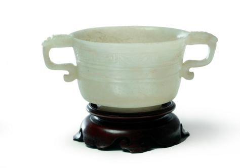 CHINESE ARCHAIC-STYLE JADE CUP