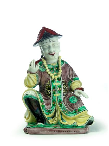CHINESE FAMILLE VERTE FIGURE OF A MAN