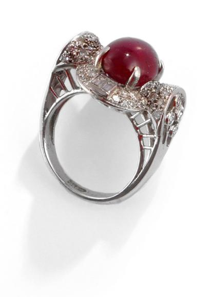 LARGE STAR RUBY AND DIAMOND RING