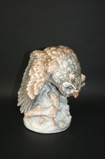 LARGE AMPHORA OWL