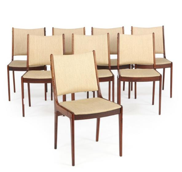 Dining room suite of rosewood consisting of table with extension and three extra leaves