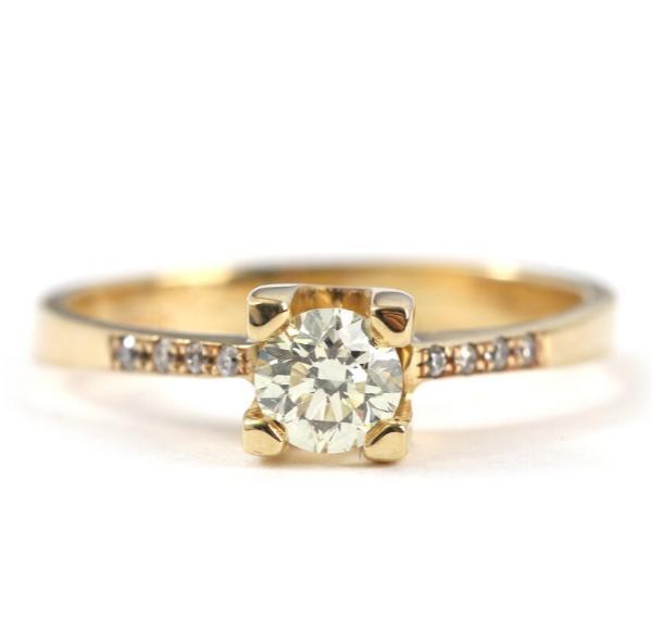 A diamond ring set