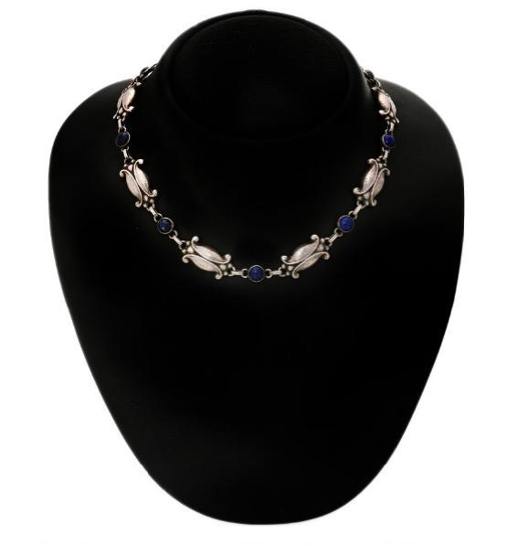A lapis lazuli necklace set
